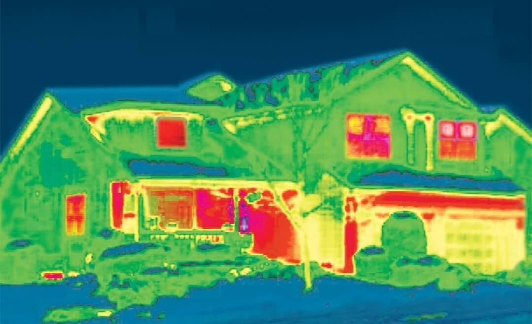 Gebäude Check per Wärmebild-Drohne