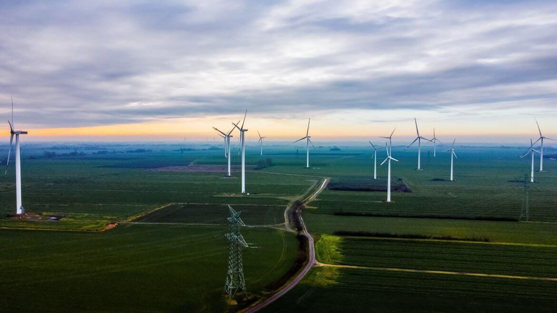 Drohnenaufnahmen von Windparks für Gutachten